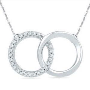 Interlocking circle necklace